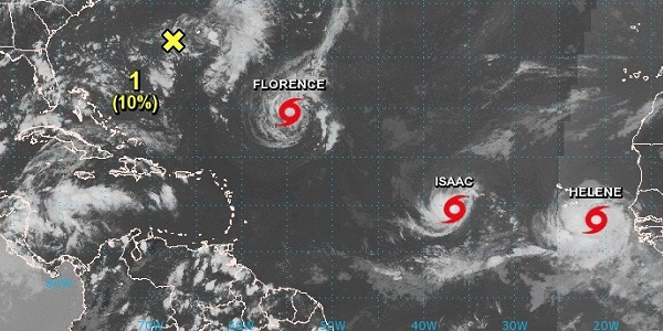 Isaac está menos organizado sobre el este del mar Caribe