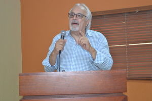 Profesor Caruso Azcárate.