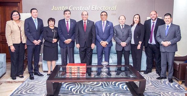 Elecciones municipales serán vigiladas por 2,343 observadores nacionales e internacionales