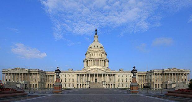 Congresistas de Estados Unidos proponen amparo a migrantes venezolanos
