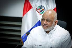 Ministro de Educación, Roberto Fulcar.