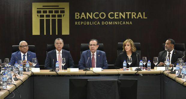 La economía dominicana creció 5,1 % en 2019 pese a la caída del turismo informó Héctor Valdez Albizua, Banco Central, BCRD.