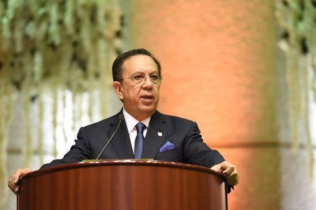 Héctor Valdez Albizu, Gobernador Banco Central .