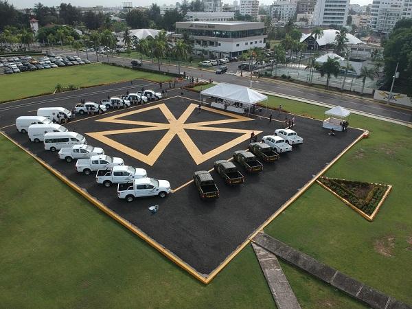 MIDE entrega 18 vehículos para reforzar patrullaje y seguridad en la frontera