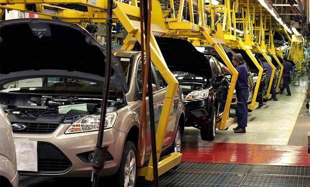 China amplía moratoria de aranceles a vehículos de EEUU para impulsar diálogo