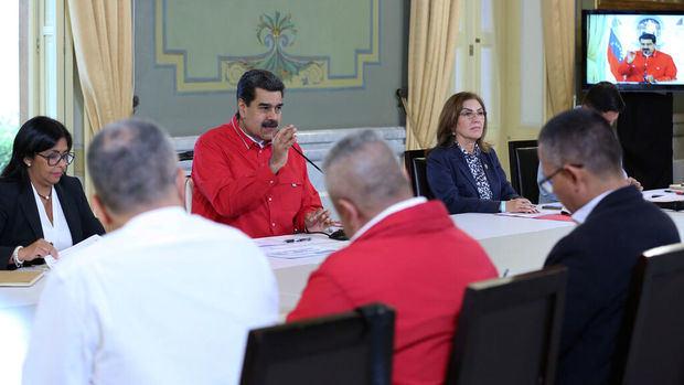 Maduro dice que el proceso de diálogo en Oslo con la oposición