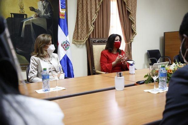 La vicepresidenta electa coordinará el gabinete de salud para la transición