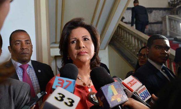 Cedeño de Fernández insta a que los jóvenes ingresen al PLD