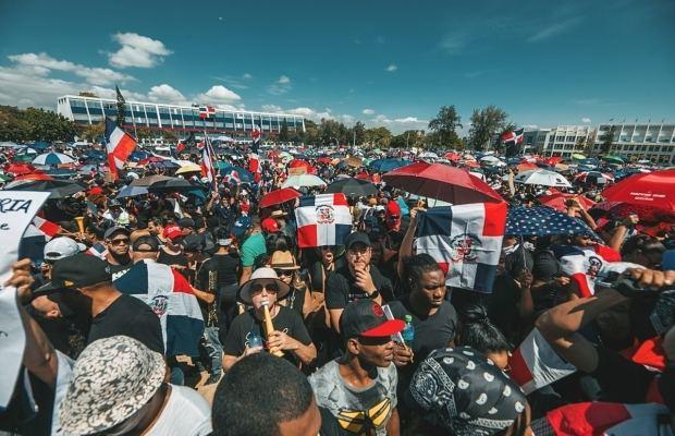Vuelven a la Plaza de la Bandera ahora a protestar contra nuevos impuestos