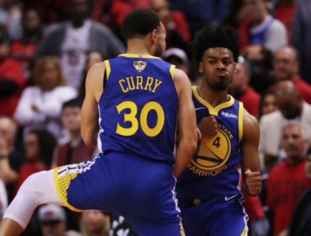 Golden State Warriors, gracias a una impecable actuación de Stephen Curry, ganaron 106-105 a los Toronto Raptors.