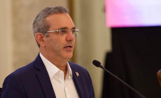 Abinader: El país cuenta con 10,5 mil millones de dólares en reservas