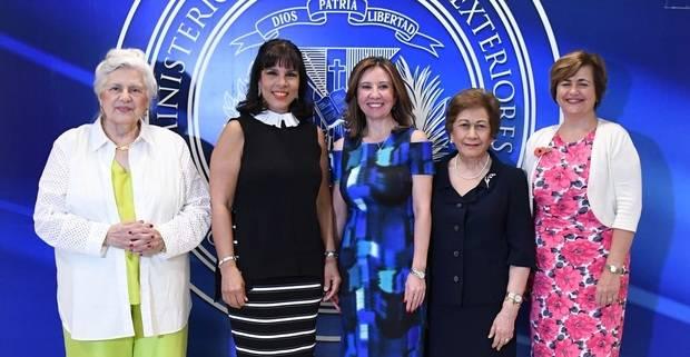 Asociación de Damas Diplomáticas celebra su tradicional bazar a beneficio de proyectos sociales