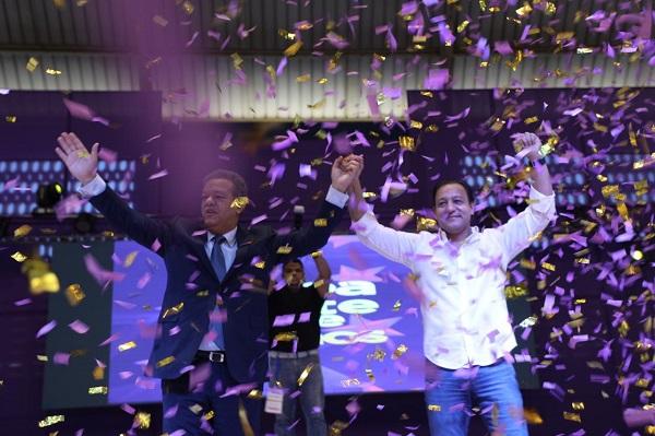 Alcalde de Santiago da su respaldo a las aspiraciones de Fernández