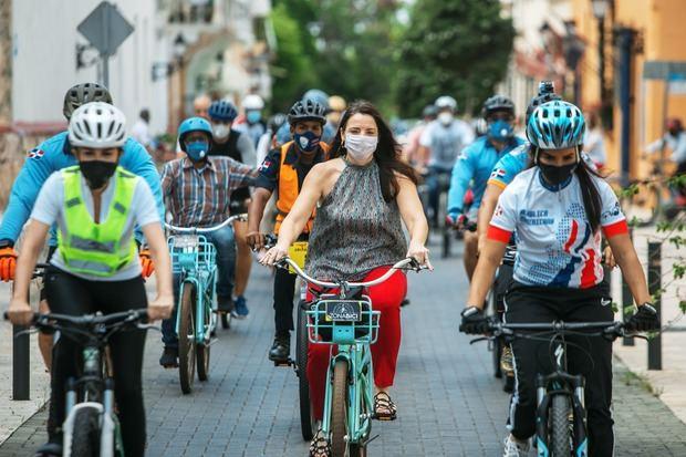 Alcaldesa Carolina Mejía inaugura en ADN bici oficina y parqueos bici