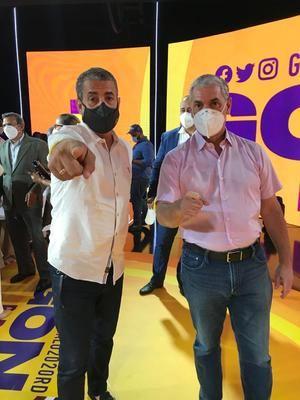 Alberto Díaz, vicesecretario de Salud Población y Desarrollo del Partido de la Liberación Dominicana (PLD junto a Gonzalo Castillo.