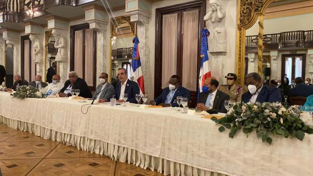 Foro de Partidos Políticos propone un consenso al presidente Luis Abinader para enfrentar crisis generada por Covid -19