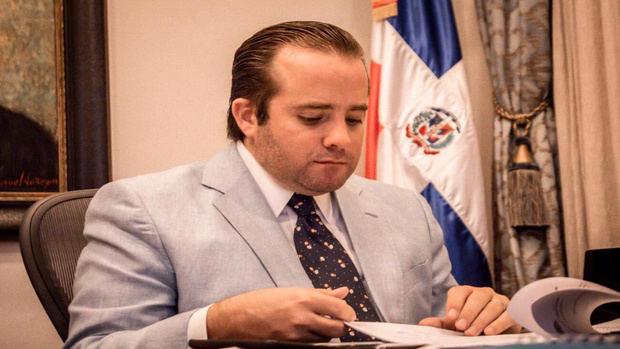 Ministerio Administrativo de la Presidencia informa ahorros por 263 millones de pesos en primeros tres meses en gastos del Estado