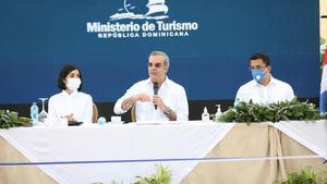 """Abinader: """"Se han recuperado más de 100 mil empleos en sector turismo"""""""