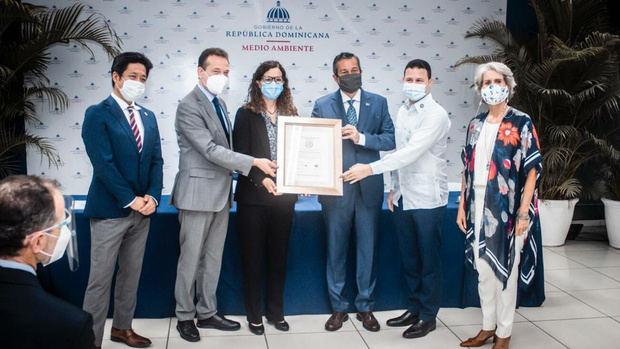 Ministerio Administrativo de la Presidencia recibe la certificación de sostenibilidad 3Rs.