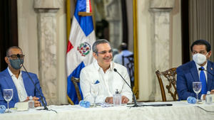 Presidente Abinader recibe a 290 representantes de juntas vecinos de Monseñor Nouel