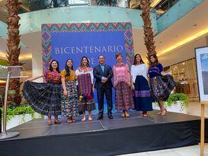 Embajada Inaugura Exposición de Trajes Típicos Guatemaltecos.