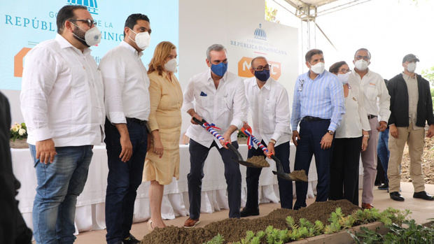 Presidente Abinader deja iniciados los trabajos de construcción del puente Sabaneta