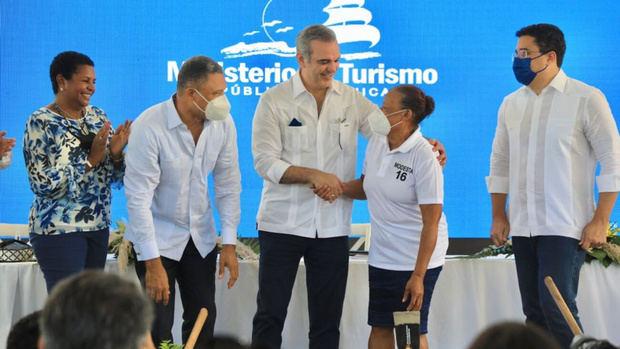 Gobierno invierte RD$176 millones para el inicio de obras en Las Galeras, Samaná