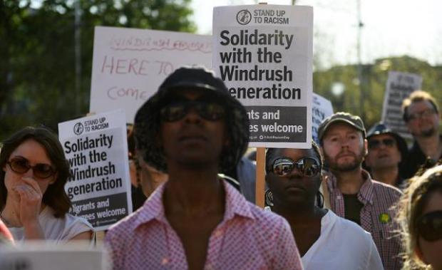 Protesta en Londres por el trato a inmigrantes caribeños