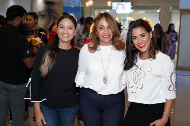 Yadelyn Cruz, Fior Feliz y Mónica González.