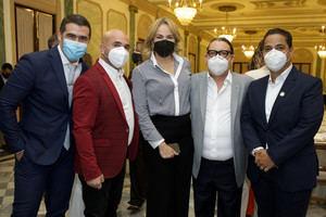Guillermo Cortines, Irving Alberti, Milagros Germán, Kenny Grullón y Luis José Germán.