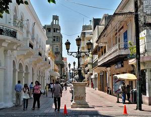 Calle El Conde en la Ciudad Colonial.