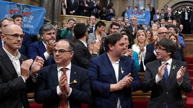 Romeva, Turull, Junqueras y Puigdemont, el día de la proclamación unilateral de independencia