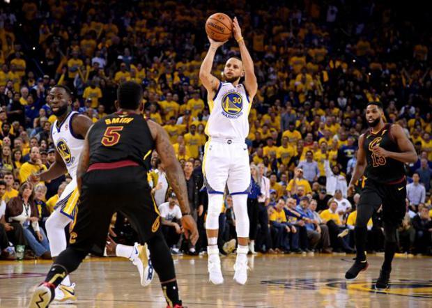 NBA Final: los Warriors golpean primero y vencen a los Cleveland Cavaliers