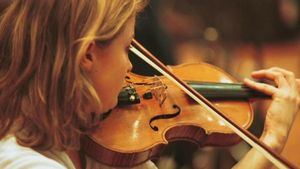 Interpretación a violín de Reimagining Vivaldi.