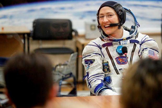 La NASA espera que caminata solo de mujeres inspire a nuevas generaciones