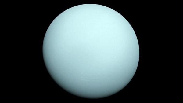 Una colisión catastrófica modeló la evolución de Urano