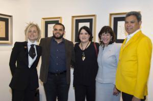 Lucy García, propietaria de la galería; los esposos Jorge Durán y Daniela Tovar; Robin S. Bernstein, embajadora de Estados Unidos en República Dominicana, y Yury Ruiz, representante del artista Iván Tovar.