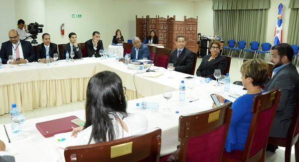 Comisión Seguridad Social recibe propuestas del CONEP y AIRD sobre proyecto de Ley 87-01