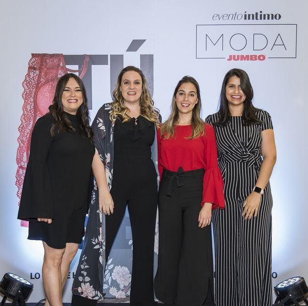 Nairobi Abreu, Cristina Cuadra, Amalia Vega y Ana Díaz.