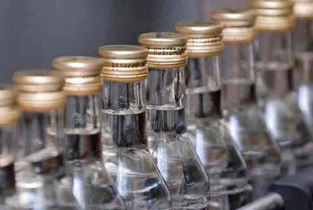 Mueren cinco personas en Moca por consumo de alcohol adulterado.