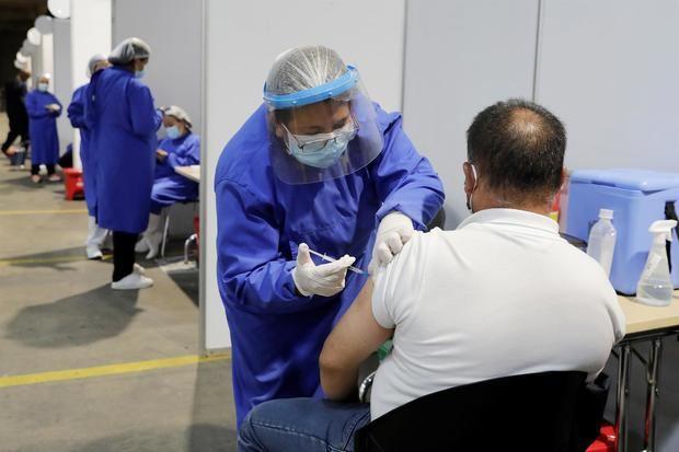 EE.UU. autoriza una tercera dosis de la vacuna para inmunodeprimidos