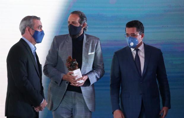 Juan Luis Guerra protagoniza videos de promoción de la República Dominicana