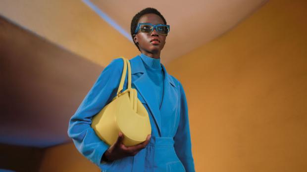 """Una elegancia """"intrigante"""" es la propuesta de Ferragamo con su colección """"Fashion Film"""" para la próxima Primavera-Verano 2021"""