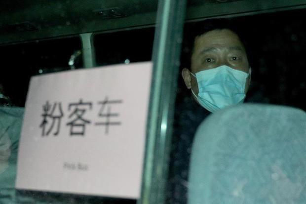China eleva a 563 los muertos entre los 28.018 infectados de coronavirus.