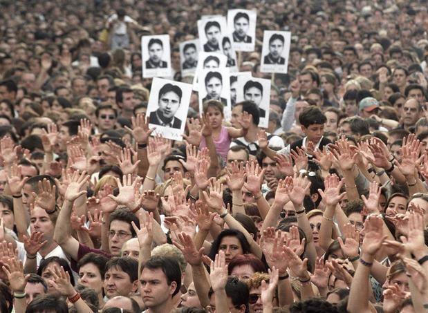 Diez años después del fin de ETA, los jóvenes desconocen su cara más violenta