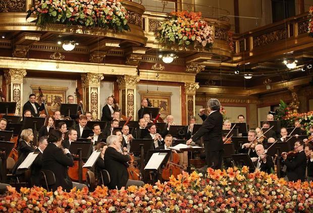 Riccardo Muti dirige en una sala vacía un gran concierto teñido de esperanza