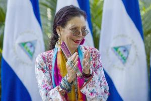 En la imagen un registro de la vicepresidenta y primera dama nicaragüense, Rosario Murillo, quien explicó que la exoneración será válida del 14 al 17 de septiembre próximo 'sobre las ventas en establecimientos de alimentos, bebidas y hospedajes'.