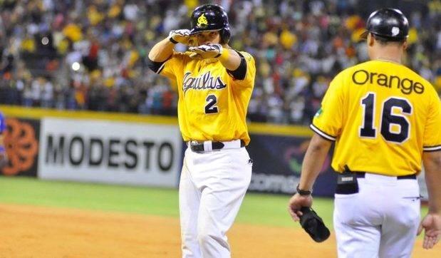 Águilas vencen Gigantes y se acercan a medio juego del liderato en béisbol