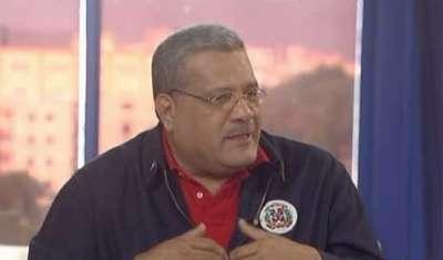 Presidente del partido Unión Demócrata Cristiana, UDC, Luis Acosta Moreta.