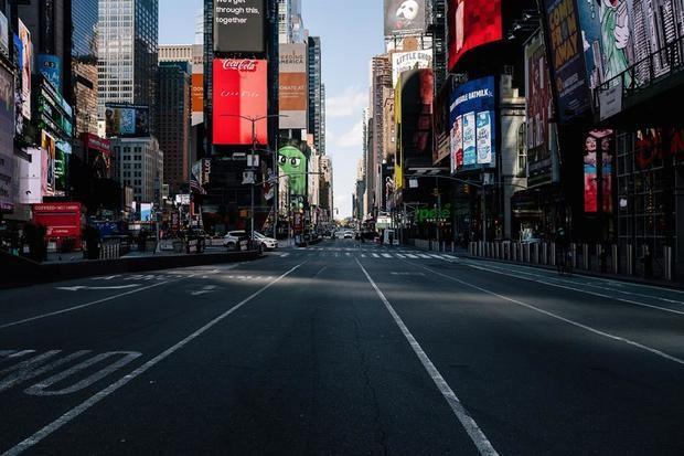 Nueva York inicia hoy lunes una cauta reapertura de su economía